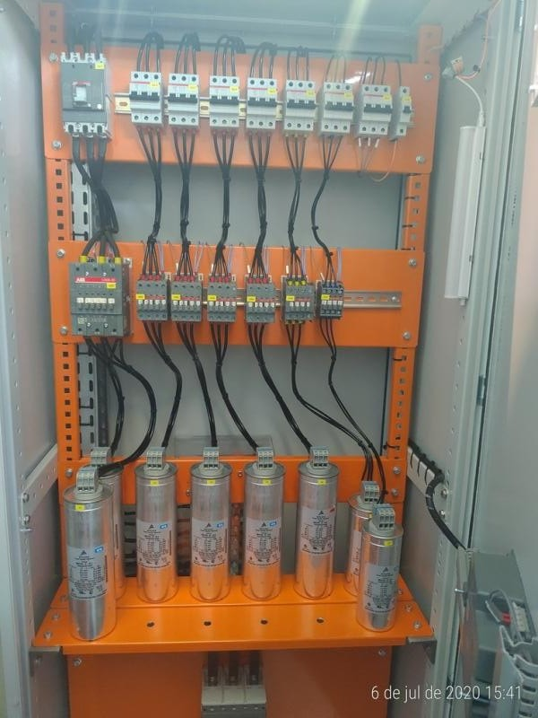 Contator para capacitor